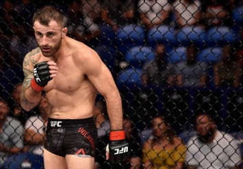 PERTH, AUSTRALIA - FEBRUARY 11: Alexander Volkanovski of Australia stares across at Jeremy Kennedy of Canada in their featherweight bout during the UFC 221 event at Perth Arena on February 11, 2018 in Perth, Australia. (Photo by Jeff Bottari/Zuffa LLC/Zuffa LLC via Getty Images)